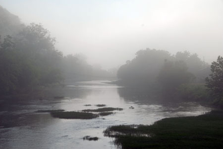 D100610-009PocahontasCoWvaGreenbrierRiverFog04