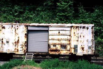 138934rustyboxcar