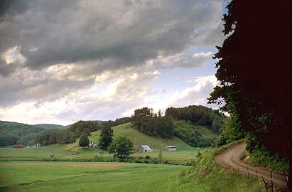 116418asheconcfarmscenicphillipsgap